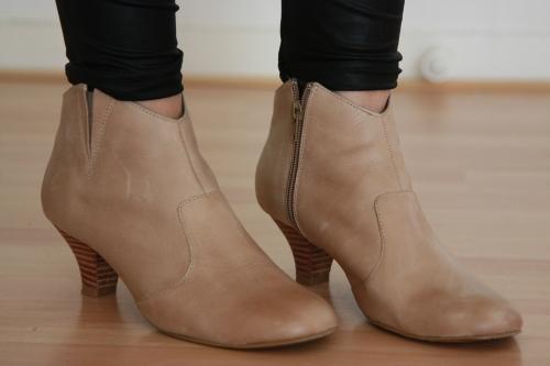 boots andré J&J