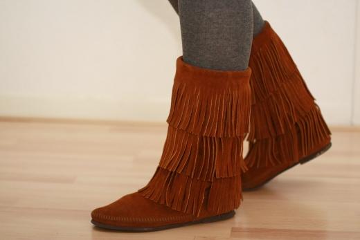 boots minnetonka