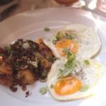 oeufs-sur-le-plat-et-boeuf-sale-patates-inn-the-park-brunch-breakfast