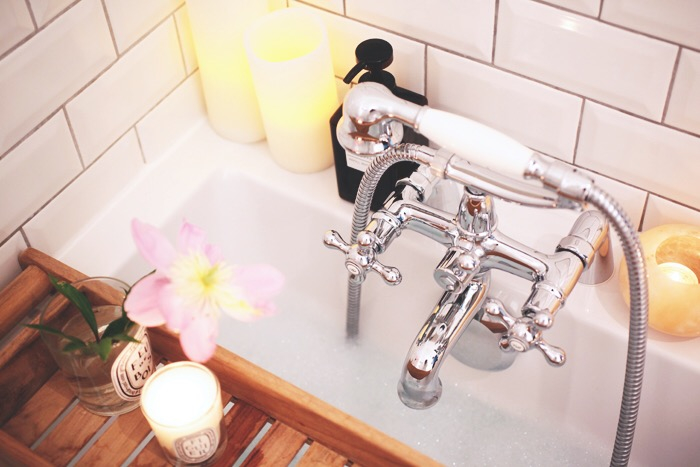 bhv salle de bain latest bhv luminaires bhv eclairage salle de bains bhv luminaires luminaire. Black Bedroom Furniture Sets. Home Design Ideas